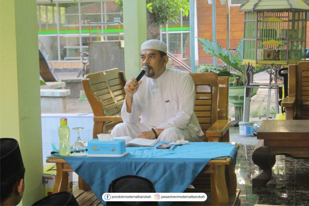 Taubat dengan banyak membaca Al-Quran dan Istighfar